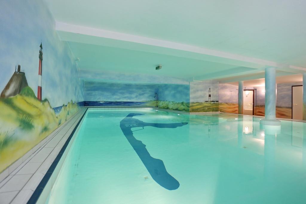 Swimmingpool im haus  Ferienwohnung in Westerland für 4 Personen, Olympia Haus 4, Whg ...