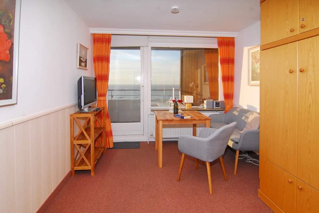 haus am meer whg 67 seeseite in westerland mit meeresblick balkon und internetanschluss. Black Bedroom Furniture Sets. Home Design Ideas