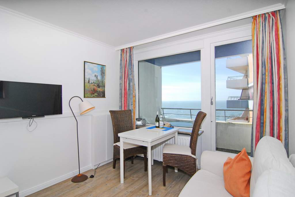 haus am meer whg 146 seeseite in westerland mit meeresblick balkon und internetanschluss. Black Bedroom Furniture Sets. Home Design Ideas