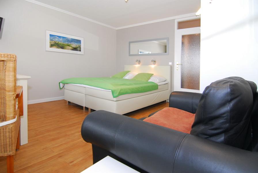 sylter welle whg 62 landseite in westerland mit balkon und internetanschluss riel sylt. Black Bedroom Furniture Sets. Home Design Ideas