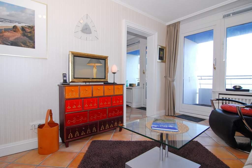 sylter welle whg 67 seeseite in westerland mit meeresblick balkon und internetanschluss. Black Bedroom Furniture Sets. Home Design Ideas